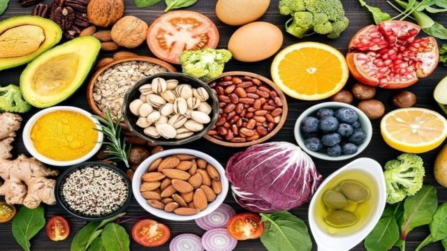 Los mejores alimentos para que el sistema inmunitario nos proteja contra el coronavirus