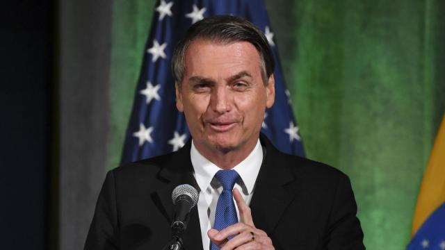 SP, RJ, MG, PE e DF realizam panelaço contra Bolsonaro na noite de terça