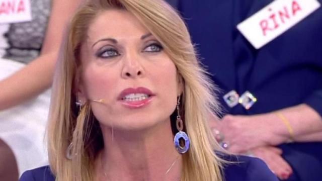 Uomini e Donne, Anna Tedesco: 'Gianni è un inquisitore, non gli rispondo più'
