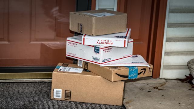 Coronavirus: Amazon dejará los pedidos en la puerta para prevenir el contagio