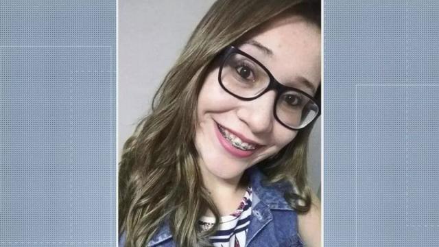 Homem é preso após matar jovem de 18 anos na frente do filho dela