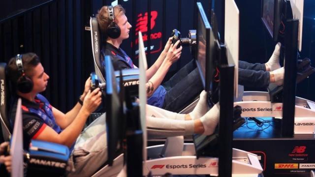 La Fórmula 1 unida en la lucha contra el Covid-19 y los pilotos compiten virtualmente
