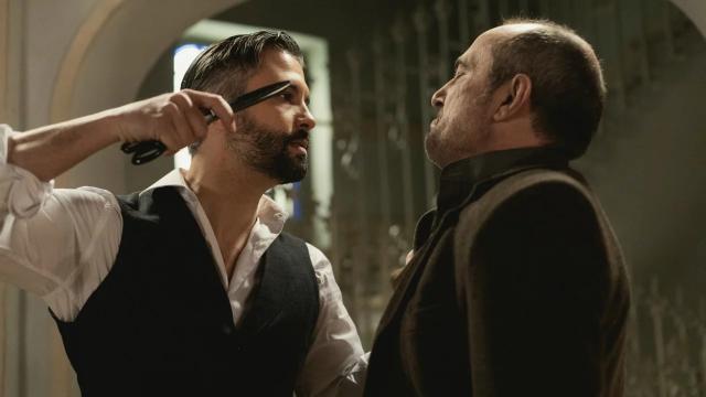 Una Vita, trame spagnole: Felipe aggredisce Ramon con un paio di forbici