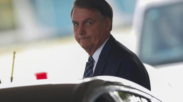 Justiça manda Hospital que testou Bolsonaro publicar testes para coronavírus