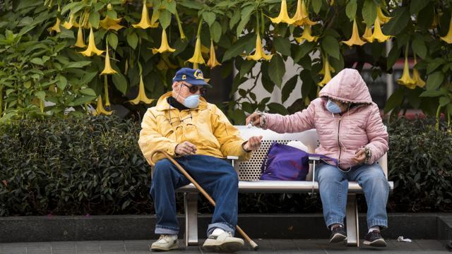 El 'distanciamiento social' debería durar hasta 18 meses, según el Imperial College