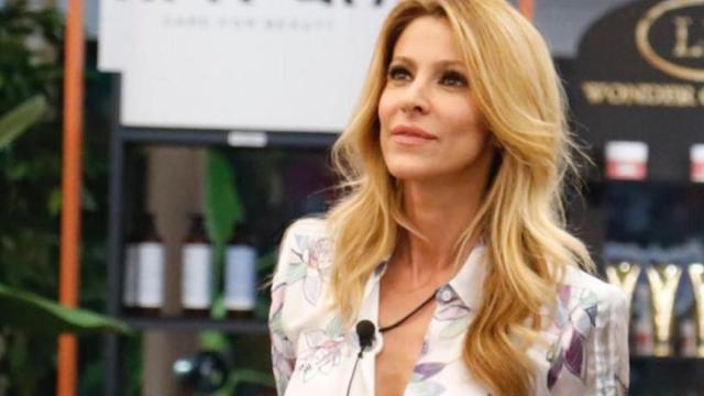 GF Vip, Adriana Volpe torna in casa: videomessaggio per tutti i concorrenti