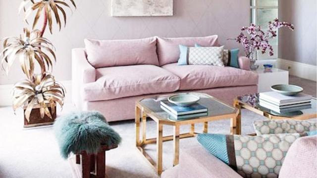 Arredare casa, consigli per la primavera: cuscini, tende e decorazioni floreali