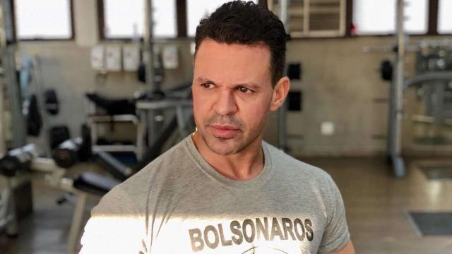 Após doar R$ 2,5 milhões, Eduardo Costa critica famosos que não ajudam