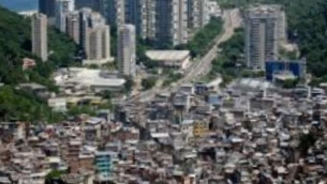 Traficantes do Rio deram toque de recolher e proibiram entrada de turistas em favelas