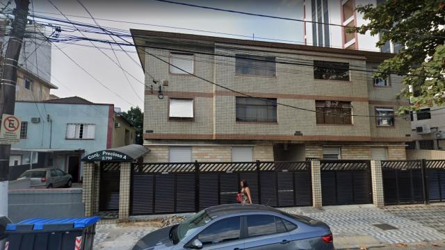 Tentando fugir da quarentena, mulher pula da janela de seu prédio e se machuca