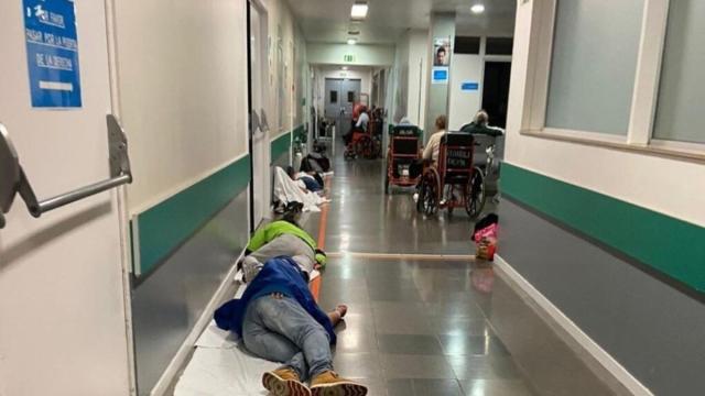 Coronavirus: Enfermos en el suelo de las Urgencias del Hospital Infanta Leonor