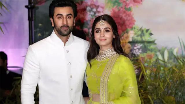 Alia Bhatt puts an end to break up rumour with Ranbir Kapoor