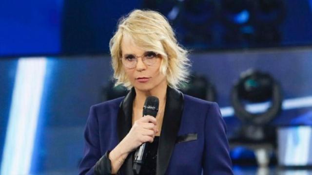 Venerdì 27 marzo in tv: sfida tra 'Amici' su Canale 5 ed 'Ulisse' su Rai 1