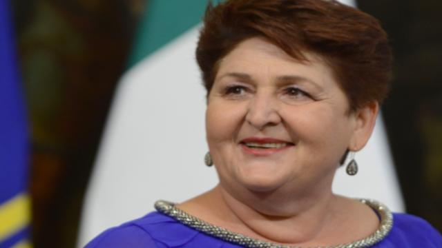 Bellanova: 'Necessario regolarizzare i lavoratori stranieri presenti in Italia'