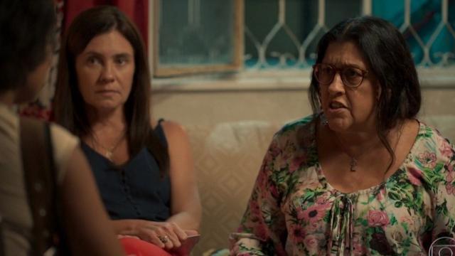 'Amor de Mãe': Controlada por Thelma, Lurdes briga com Rita após seguir 'pista falsa'