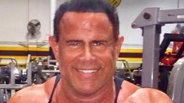 Ator Keith Middlebrook, de 'Homem de Ferro 2', é preso por vender pílulas falsas