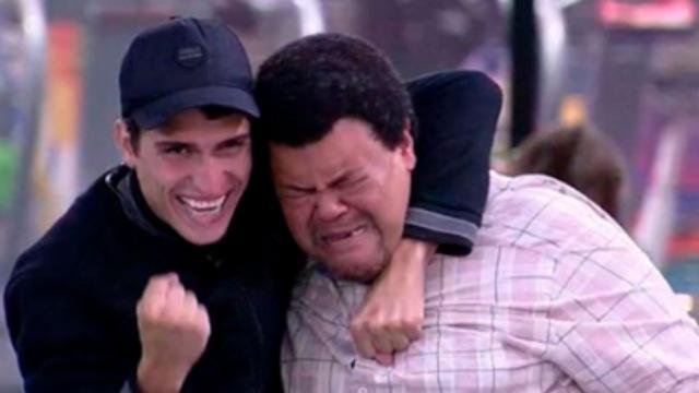 BBB20: Felipe e Babu entram em conflito: 'quem disse que esse é o seu cantinho?'