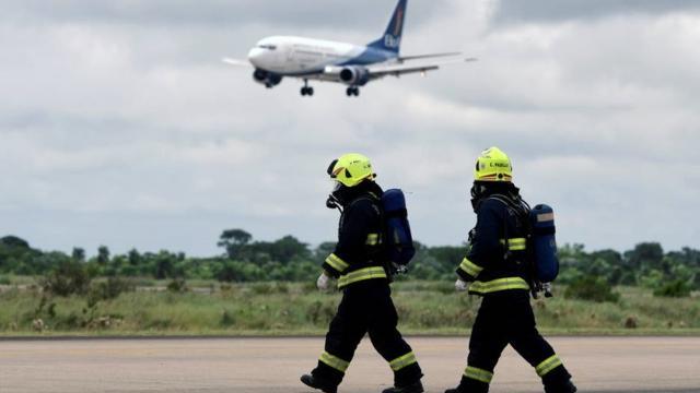 Governo fecha fronteiras aéreas no Brasil por causa do coronavírus