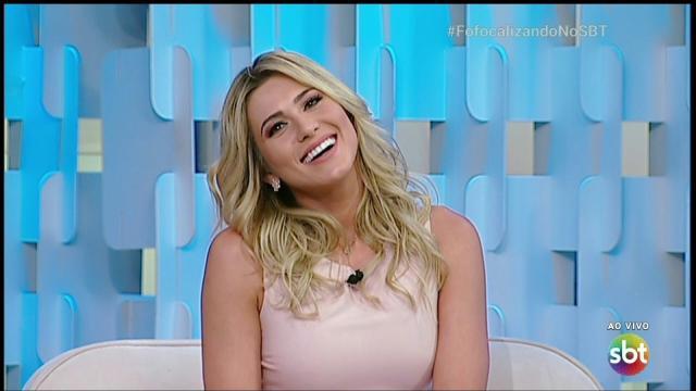 Bisco da Universal reclama, e Lívia Andrade é afastada do 'Fofocalizando', do SBT