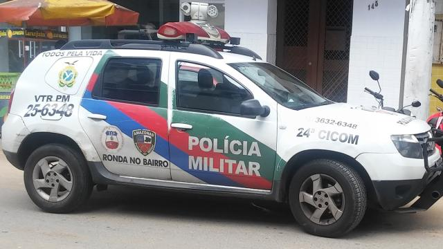 Polícia impede que populares continuem espancando supostos ladrões