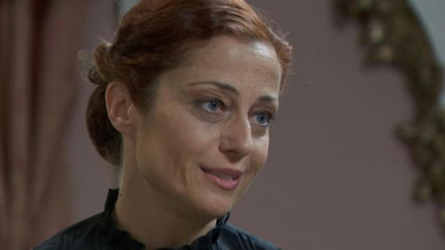 Una Vita, Carmen (Maria Blanco) è ricoverata in ospedale
