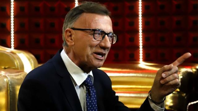 GF Vip, Michele Cucuzza a 'Non succederà più': difende Antonella e tifa per Zequila