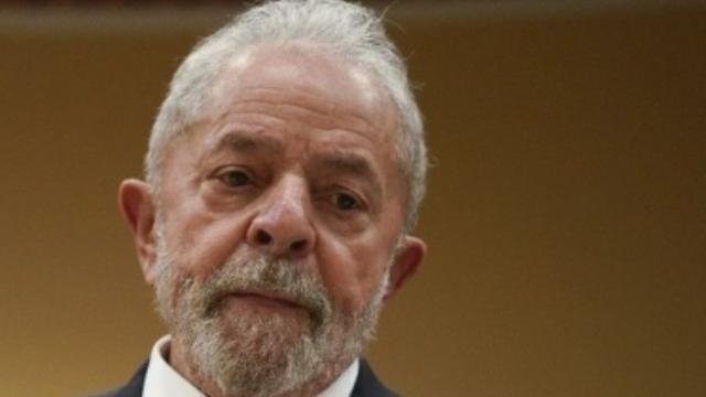 Lula pede impeachment de Bolsonaro
