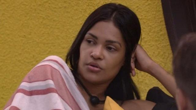 'BBB20': web fala sobre tosse de Flay, mas Boninho esclarece e descarta covid-19