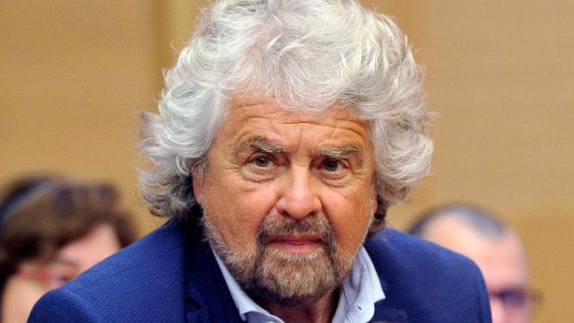 Coronavirus, Beppe Grillo propone un reddito universale per tutti i cittadini
