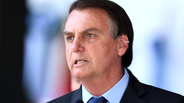 Bolsonaro pode editar decreto que permite volta dos brasileiros ao trabalho