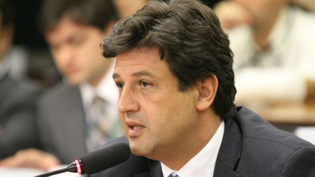 Contrariando Bolsonaro, Mandetta diz que isolamento total é fundamental no momento