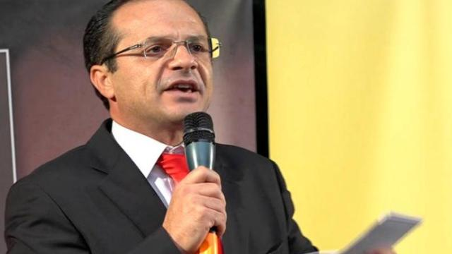 Coronavirus: De Luca chiede di sospendere le bollette di luce e gas