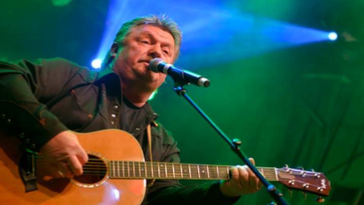 Coronavirus, si è spento a 61 anni il cantante Joe Diffie