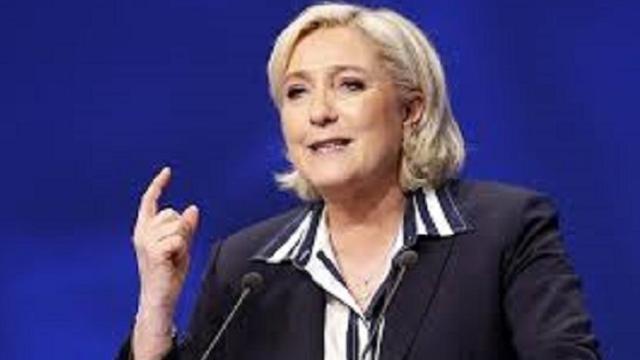 Francia: Marine Le Pen accusa il governo di mentire sull'emergenza Coronavirus