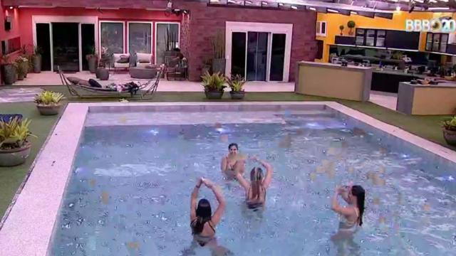 'BBB20': sisters dançam axé e comentam Carnaval 2021 durante momento na piscina