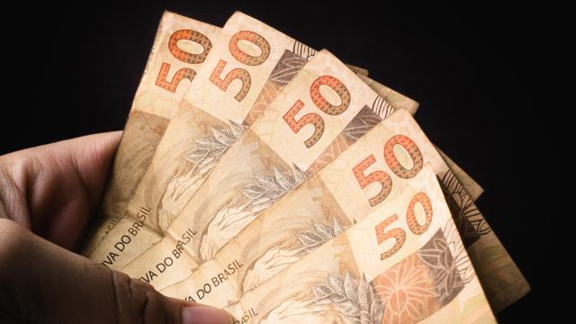 Auxílio de R$ 600 para trabalhadores informais é aprovado no Senado