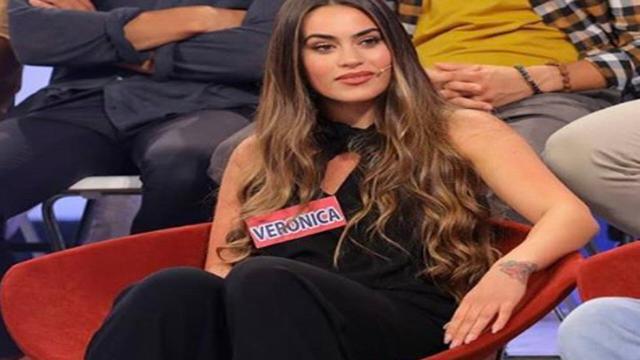 Veronica Burchielli avrebbe con flirt con Andrea Iannone: scambio di 'like' sul Web