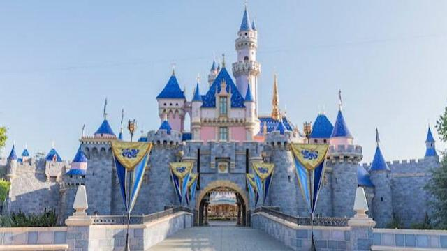 Coronavirus: Disney closes its theme parks indefinitely in Anaheim and Orlando