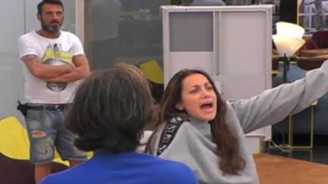 Lite al GF Vip 4, Teresanna contro Sossio: