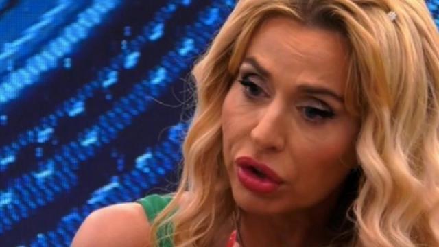 Grande Fratello Vip, Valeria Marini si racconta: 'Mi sono sentita perseguitata'