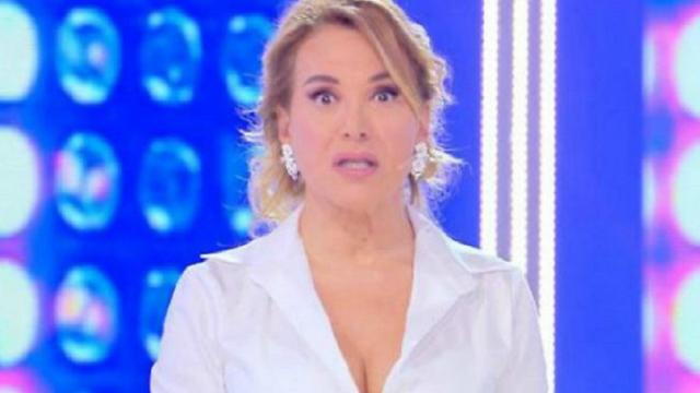 Napoli, accusa di diffamazione per Barbara d'Urso: la Procura chiede il processo
