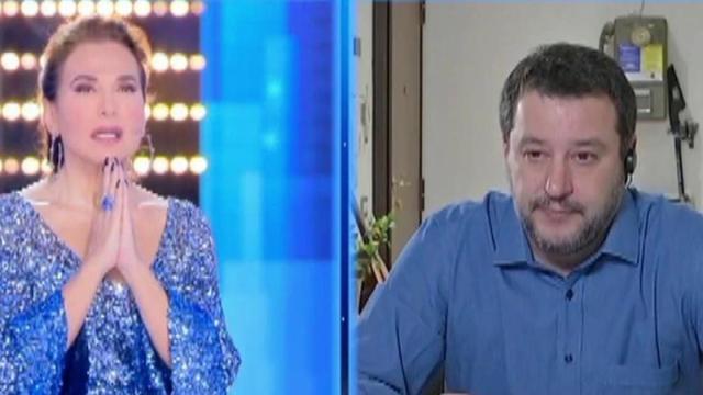 Maurizio Costanzo contro Barbara d'Urso: 'Preghiera in diretta? Mi ha provocato disagio'