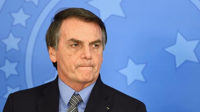 No dia 1° de abril, Folha de S. Paulo reúne declarações de Bolsonaro