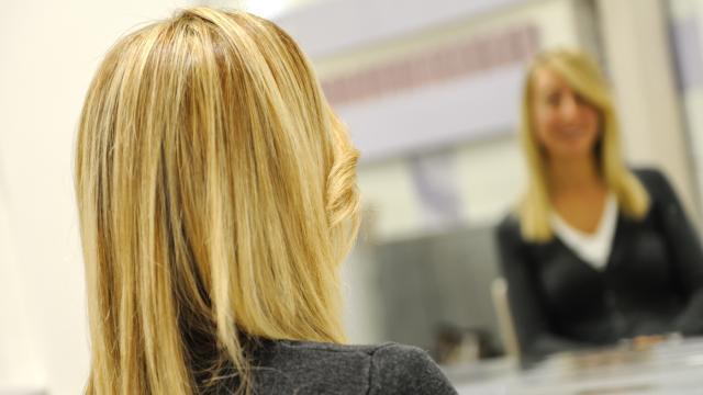 Tendenze capelli estate 2020: di moda i toni pastello