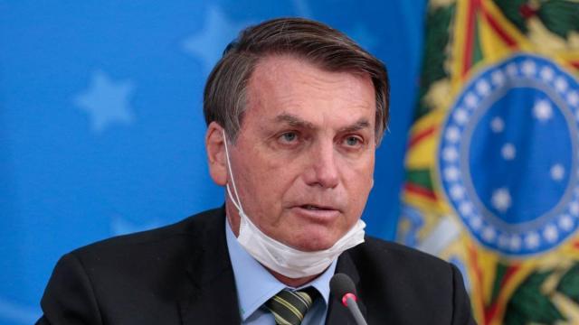 Distribuição de merendas e auxílio de R$ 600 dependem de aprovação de Bolsonaro