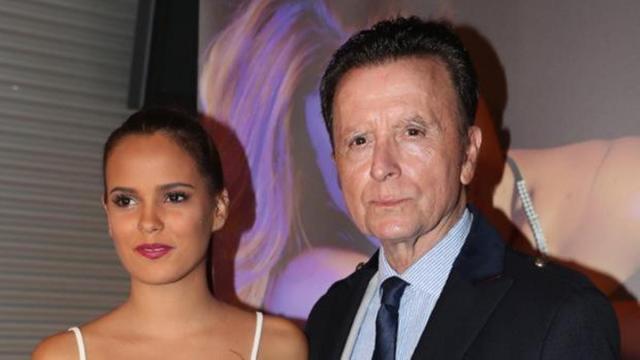 Gloria Camila entra en 'Sálvame' para decir que su padre no se saltó la cuarentena