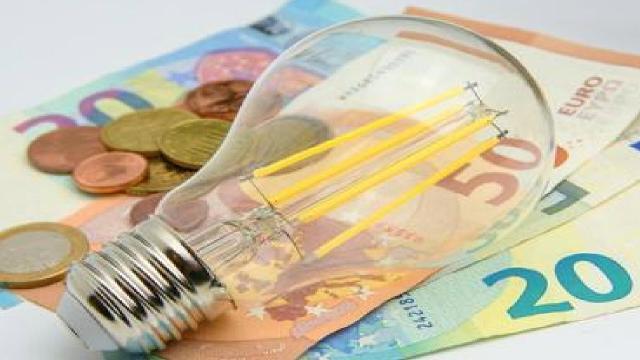 Risparmio luce e gas: con le tariffe monorarie dal 5 all'8% di risparmio