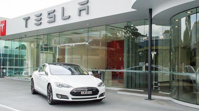 Immatricolazioni auto: crollo di vendite a marzo, ma la Tesla 3 conquista il primo posto