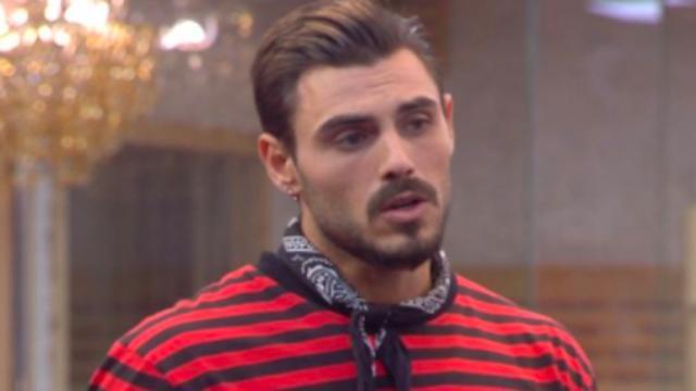 Francesco Monte criticato per la dedica a Isabella: troppo simile a quella per la Salemi