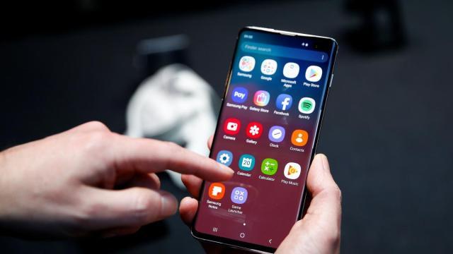 COVID-19: Governo terá acesso a celulares para identificar aglomerações de pessoas
